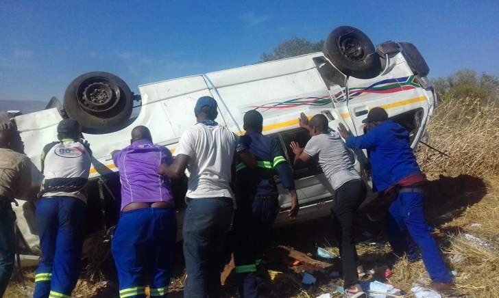 Bulawayo-bound kombi kills 8 in Musina