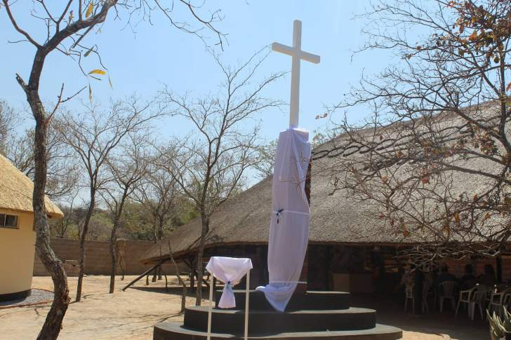 A Triple ceremony at Amagugu to commemorate life of Bowen Rees