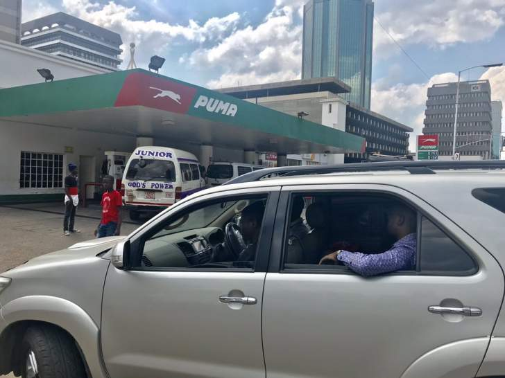 Chamisa 'Pfee' in fuel queue