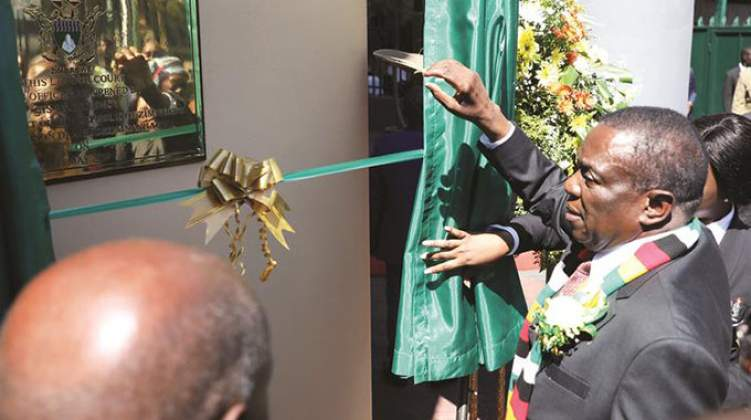 Mnangagwa 'defends' workers' rights