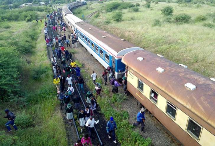 PHOTOS: Mnangagwa's only commuter train is cheap and reliable