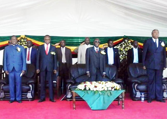 Mugabe launches Beitbridge-Harare highway dualisation