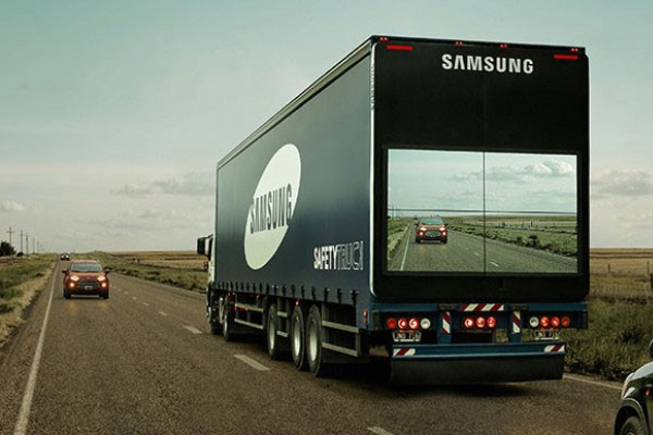 Samsung wants to make overtaking large trucks safer for motorists - Video
