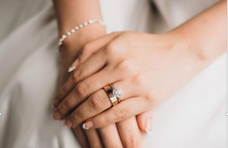 When is the perfect time to ask for her hand in marriage?