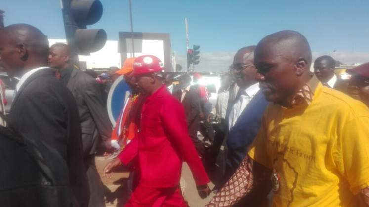 Chamisa to lead protest from front