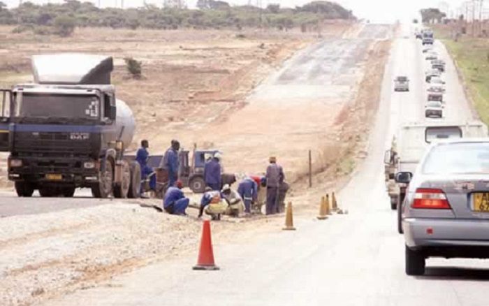 Beitbridge-Chirundu Road on track