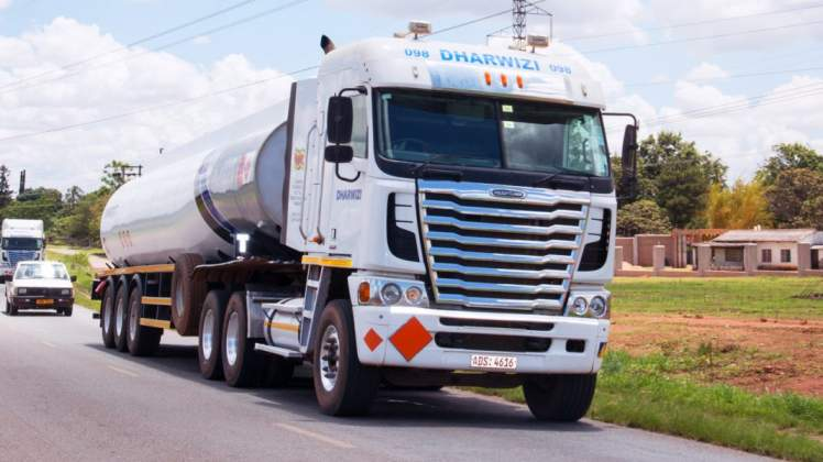 Zimbabwe govt set to ferry fuel by road