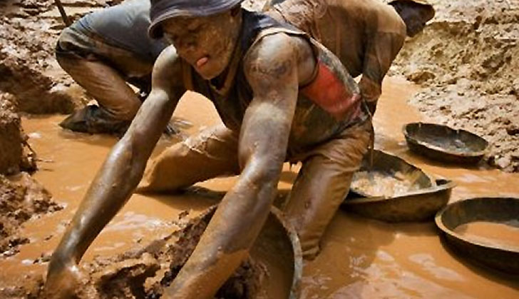 Zimbabwe govt licenses companies for riverbank mining