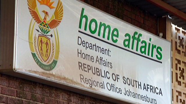 SA Home Affairs tells Zimbabweans awaiting permits to be patient,