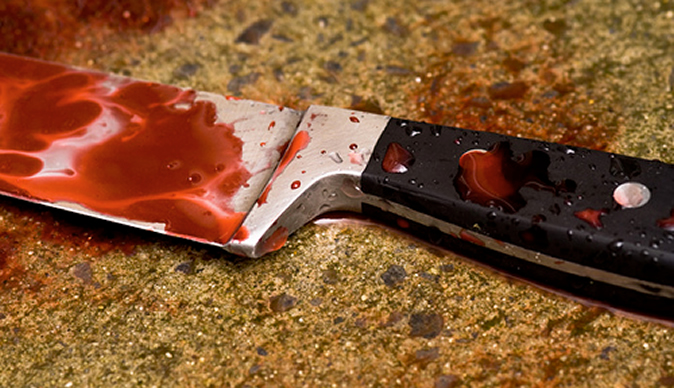 Hubby chops off cheating wife's boyfriend's fingers