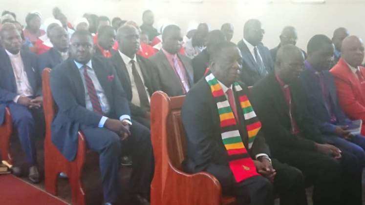 Mnangagwa leads nation in mourning
