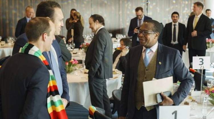 Zimbabwe, SA in financial package talks