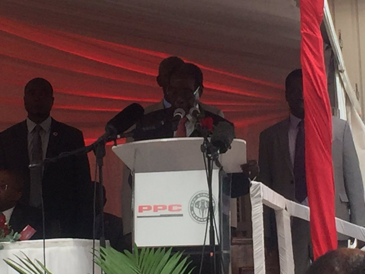 Mugabe officially opens $82 million PPC factory in Harare