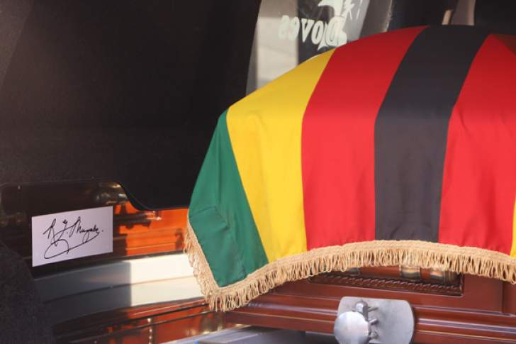 Zimbabweans to view Mugabe's body amid burial dispute