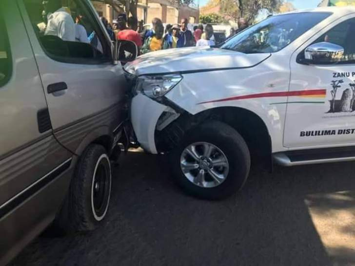 PHOTO: Zanu-PF car crashes in Bulawayo